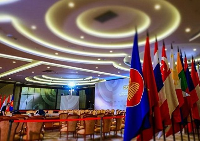 俄副总理:欧亚经济联盟与新加坡自贸区协议或将于2017年底前签署