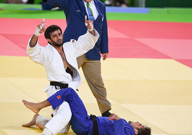 俄罗斯收获本届奥运会第一金