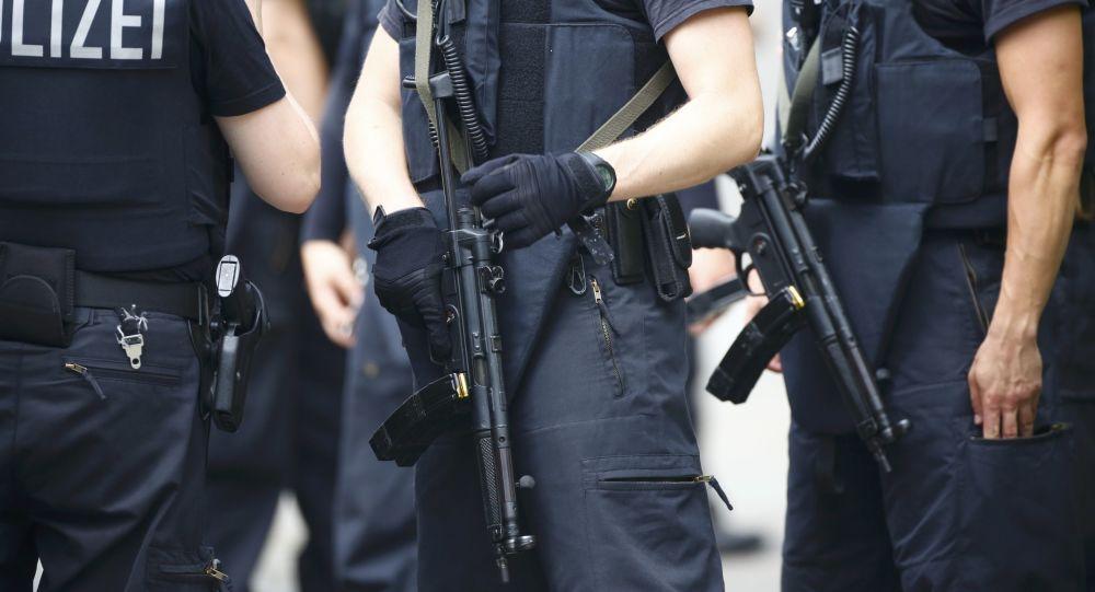 一名武装男子袭击了德国瓦尔茨胡特的一家银行