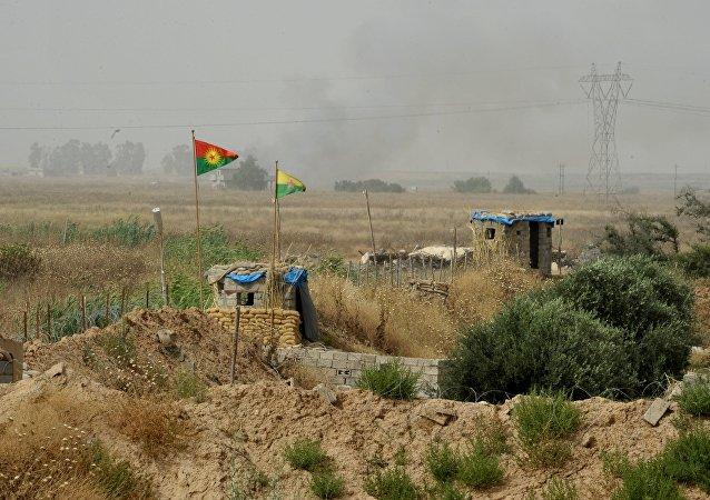 伊拉克国防部:伊防长未在摩苏尔附近刺杀未遂的事件中受伤