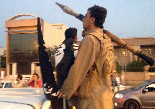 """俄外长:存在""""伊斯兰国""""武装分子从摩苏尔逃往叙利亚的风险"""