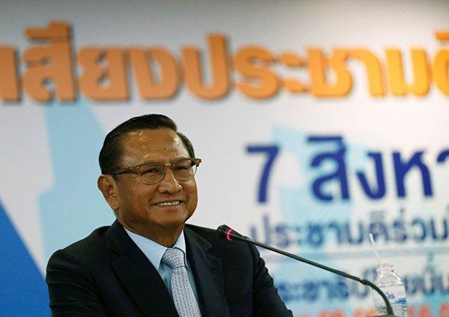 泰国总理称如果没有其他候选人他将在选举后返回