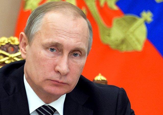 普京:针对克里米亚企图搞恐袭是危险游戏