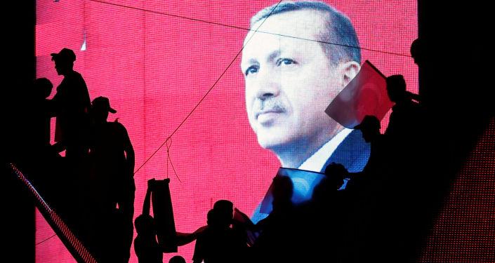 欧洲议会主席舒尔茨威胁对土耳其实施经济制裁