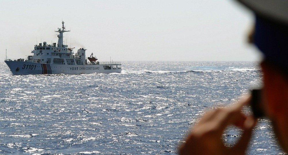 专家:美炒作中国在黄岩岛活动意在阻止中国南海岛礁建设