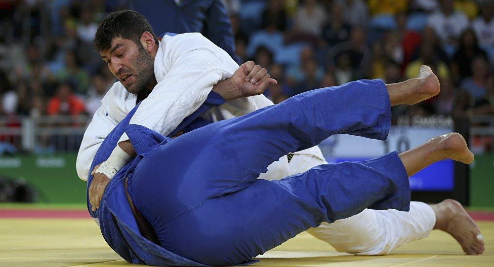 埃及柔道选手拒绝与以色列运动员握手