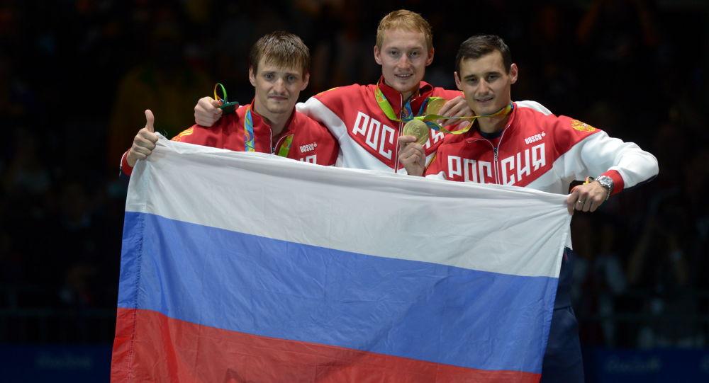 俄罗斯击剑运动员打败法国对手,在里约奥运会为俄罗斯添第5金
