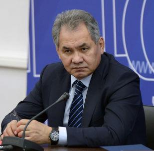 俄防长:俄方愿与蒙古国防部进一步发展合作
