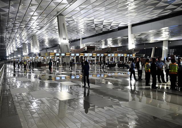 雅加达机场新航站楼启用仅一天就被淹
