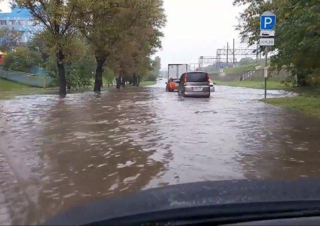 莫斯科大雨