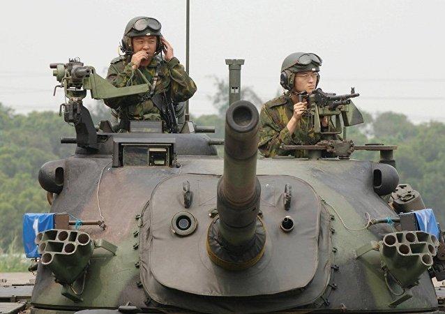 台坦克雨天坠溪 4名士兵死亡