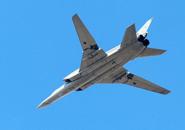 俄国防部证实在伊朗部署图-22M3和苏-34轰炸机