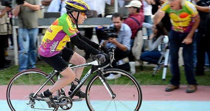 高龄104岁的法国自行车手被评为世界上长寿者中最优秀的运动员
