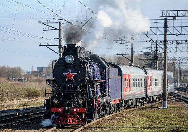 俄为纪念西伯利亚大铁路建成100周年推出旅游专列