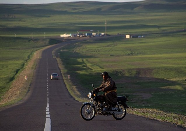 媒体:俄中蒙国际道路货运试运行正式启动 三国共9家公司参与