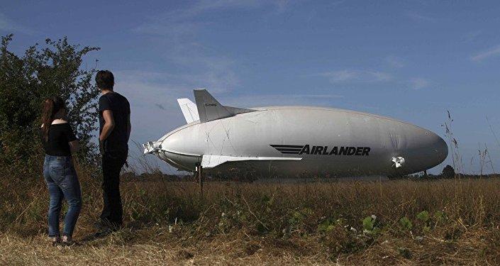 世界最大飞行器今天在英国试飞