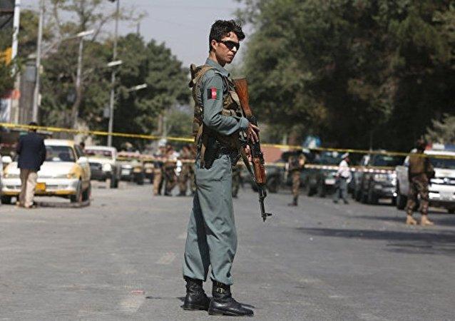喀布尔机场附近遭数枚火箭弹袭击 无人受伤