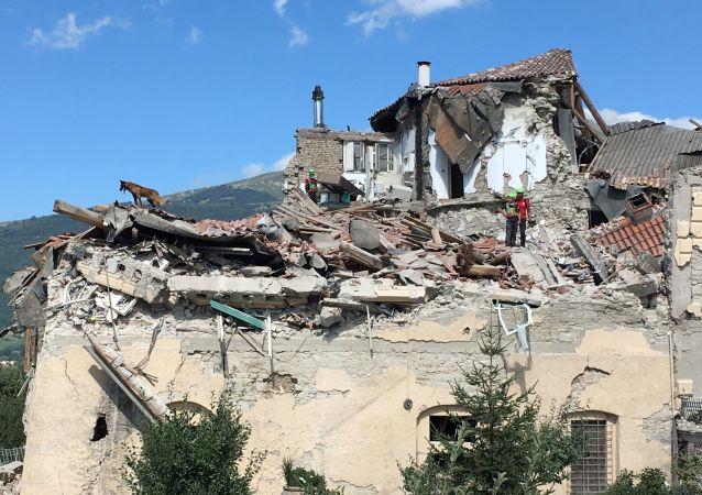 意大利破坏性地震遇难者人数已上升至159人