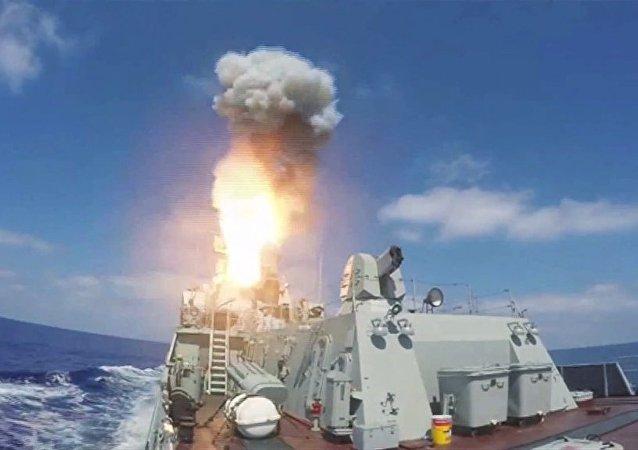 """消息人士:装备有""""口径""""巡航导弹的黑海舰队舰艇将在叙利亚停留至9月"""