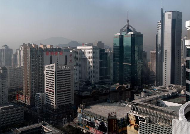 十名儿童试图从香港往中国大陆携带价值不菲的手机被拘留