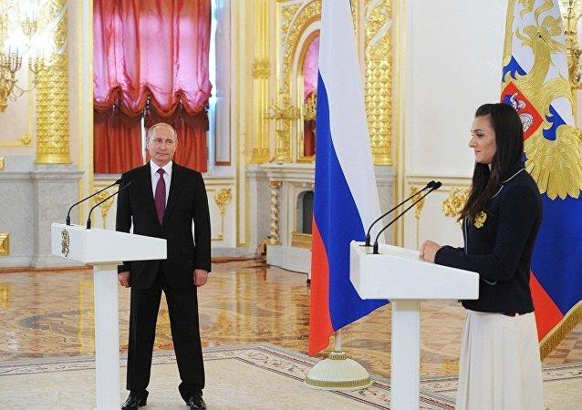 普京:伊辛巴耶娃当选国际奥委会委员证明诚实的人都支持俄运动员