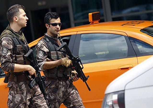 土耳其政府宣布将紧急状态延长3个月