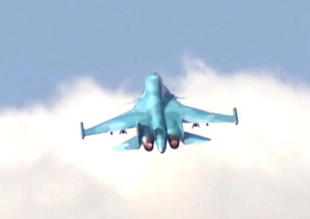 苏-34轰炸机在突击战备检查框架下调至克里米亚