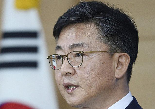 韩国统一部长洪容杓