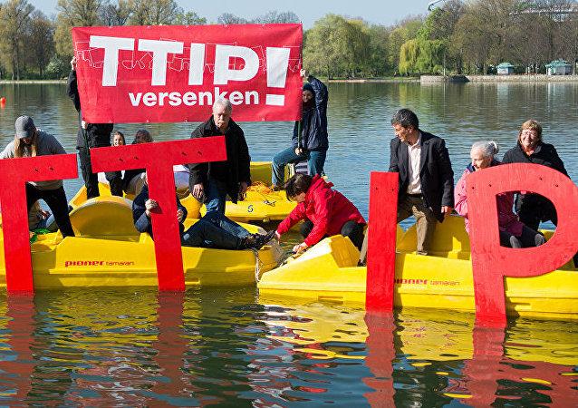 中国专家:TTIP势必达成 德法叫停为临时战略