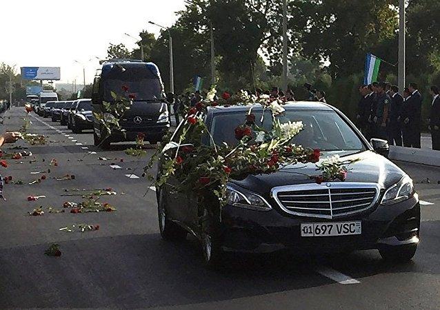 张高丽:卡里莫夫总统是中乌关系的奠基人和推动者