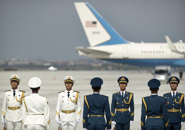 """中国外交部:美国代表团若遵守与中方商定的安排就不会在机场发生""""小插曲"""""""