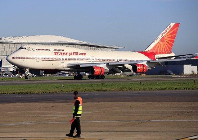 印度议员不顾外事部告诫持外交护照访台