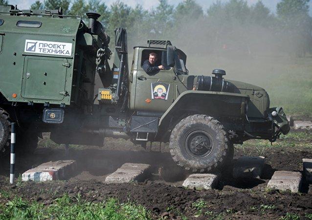 媒体:俄军测试新型装甲回收车