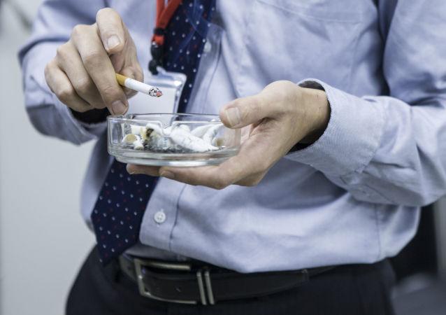 科学家们找到戒烟导致发胖的原因