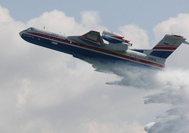 俄紧急情况部两架别-200飞机在葡萄牙扑灭26起森林大火