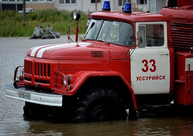 俄中边境河水位上涨 边境口岸临时关闭