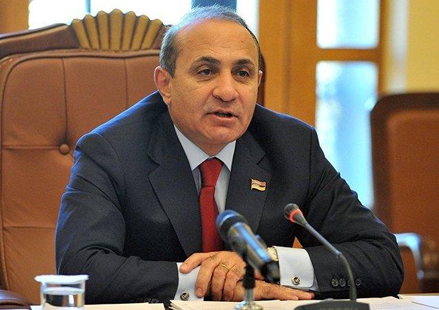 亚美尼亚总理决定递交辞呈