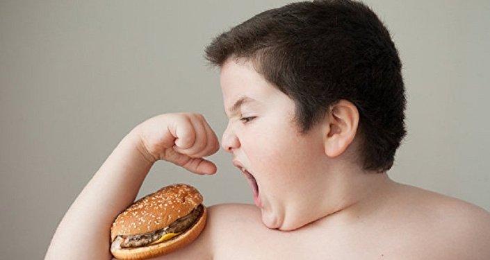 专家已查明,少年为何突然发胖