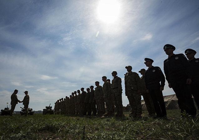 """媒体:乌军2017年接装俄""""伊斯坎德尔""""同类的""""雷霆-2""""导弹系统"""