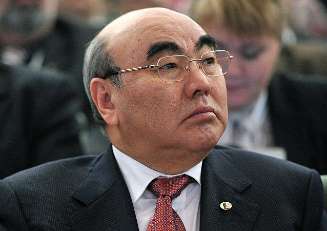 吉尔吉斯斯坦前总统:乌兹别克斯坦将继续稳定5到10年