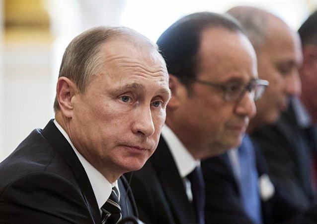 普京将应法总统奥朗德邀请于10月访法