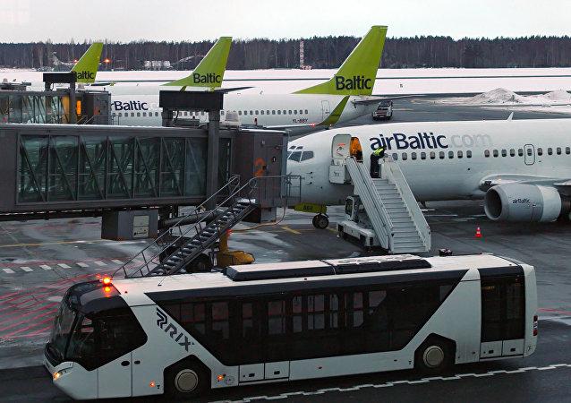 里加国际机场