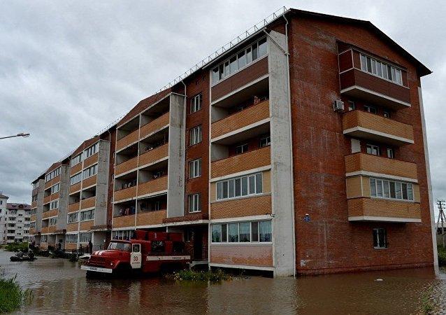 俄滨海边疆区受台风影响近500间房屋受损