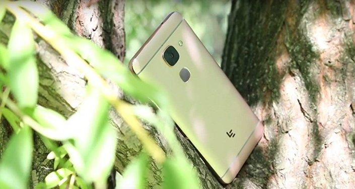 中国乐视集团计划2017年在俄销售100万部智能手机
