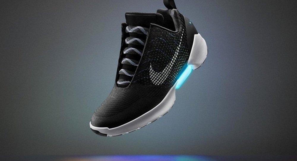 好神奇!自动系带鞋即将闪亮登场