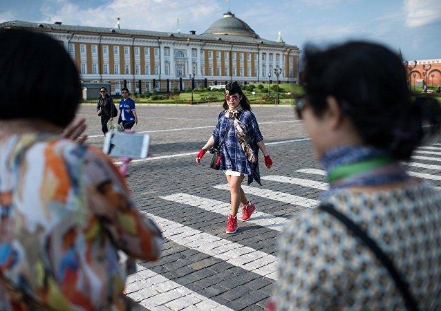 俄旅游业联盟主席:俄中团队免签制度可以防止非法移民