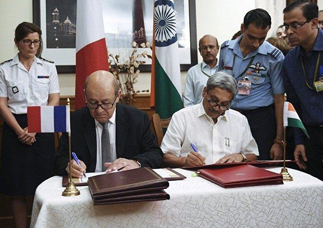 """媒体:印法两国签署36架""""阵风""""歼击机的供应合同"""