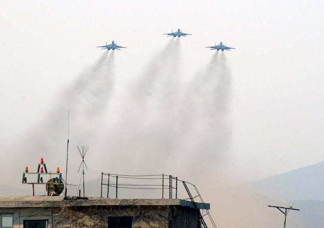 超过20万人齐聚朝鲜史上首次航空表演秀(资料)