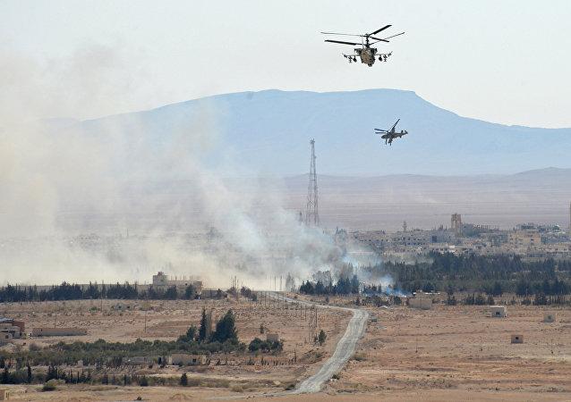 俄空天军在代尔祖尔地区炸死炸伤70多名武装分子