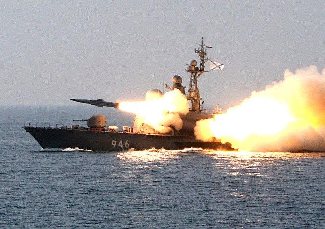 俄罗斯在黑海发射白蛉超音速导弹